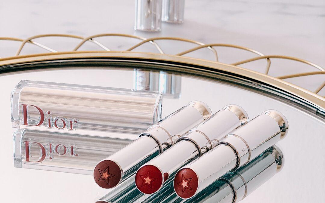 Důkladně otestované rtěnky: růžovky od Rihanny a RMS, Clarins novinky i hvězdičky z Dioru