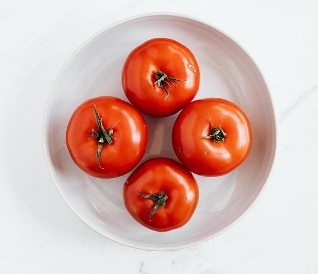 Rajčata na talířku