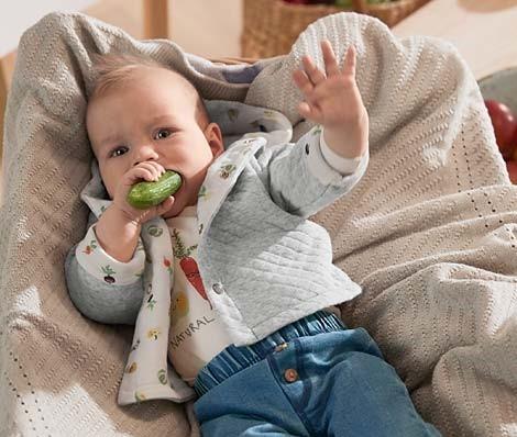 Dýně v Lindexu, okurky v Tchibu, žaludy v H&M. Podzim v dětské módě