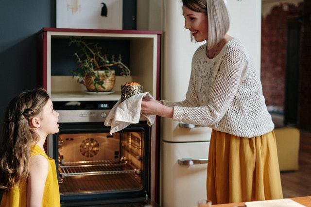 Jak zapojit děti do kuchyně: bude útočištěm v nouzovém stavu
